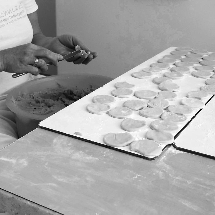 Schlipf&Co Making of Schlipfkrapfen